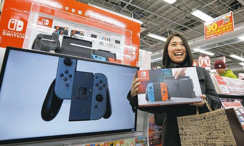 日本任天堂遊戲機Switch熱銷,帶動相關台系供應鏈出貨淡季不淡,成為市場亮點。...
