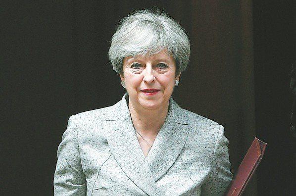 英脫第一戰 梅伊陷領導危機