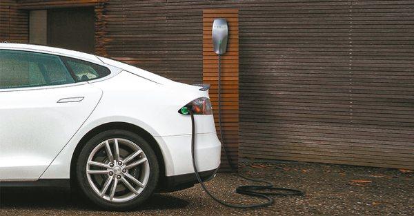 雲朗觀光集團全台據點增設Tesla特斯拉充電站,讓電能與環保科技與旅行更加緊密結合。