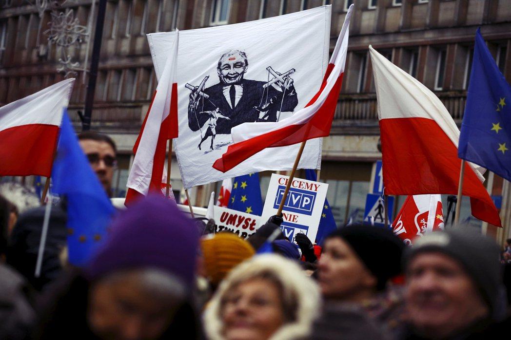 「如果媒體認為可以藉由批評我們的政策,來掌握波蘭觀眾接下來幾周的注意力,那我們就...