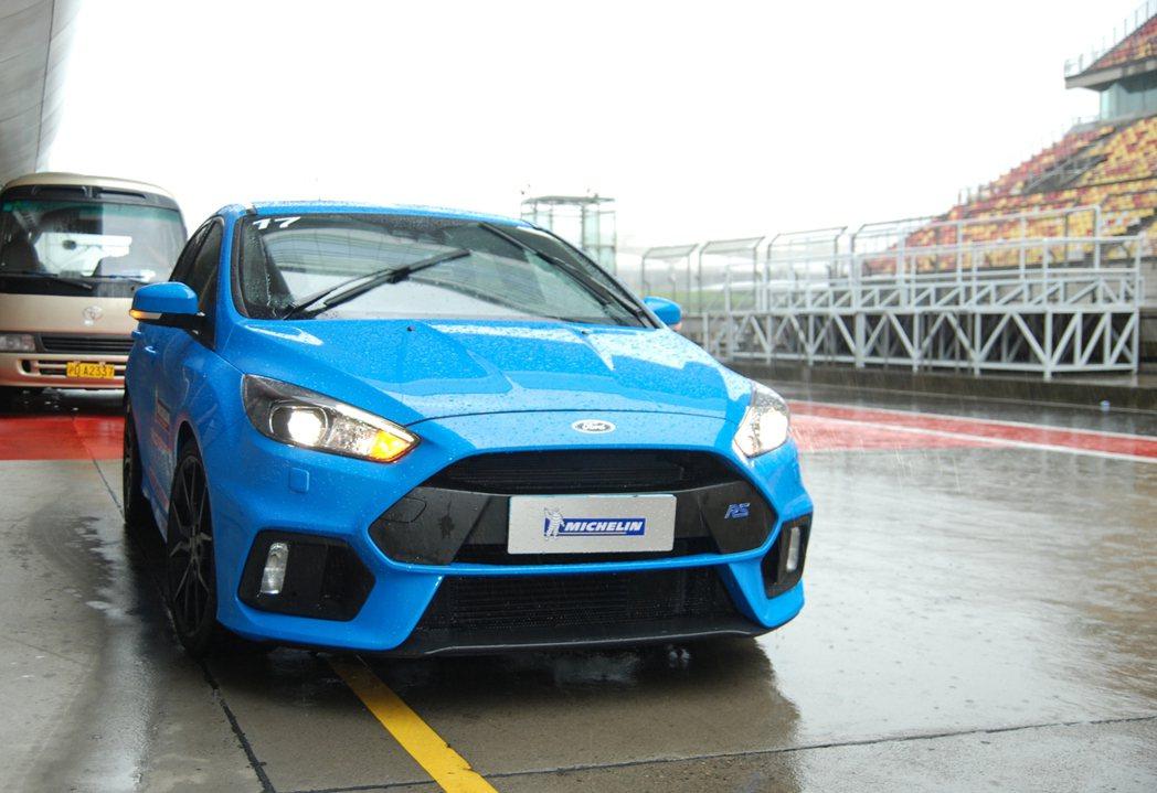 最讓人吸睛的是這部 Focus RS 性能鋼砲!有關注 Ken Block 的車...