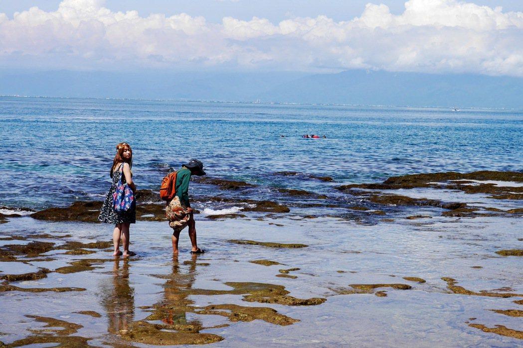 小琉球擁有迷人的海洋景色。 記者陳威任/攝影