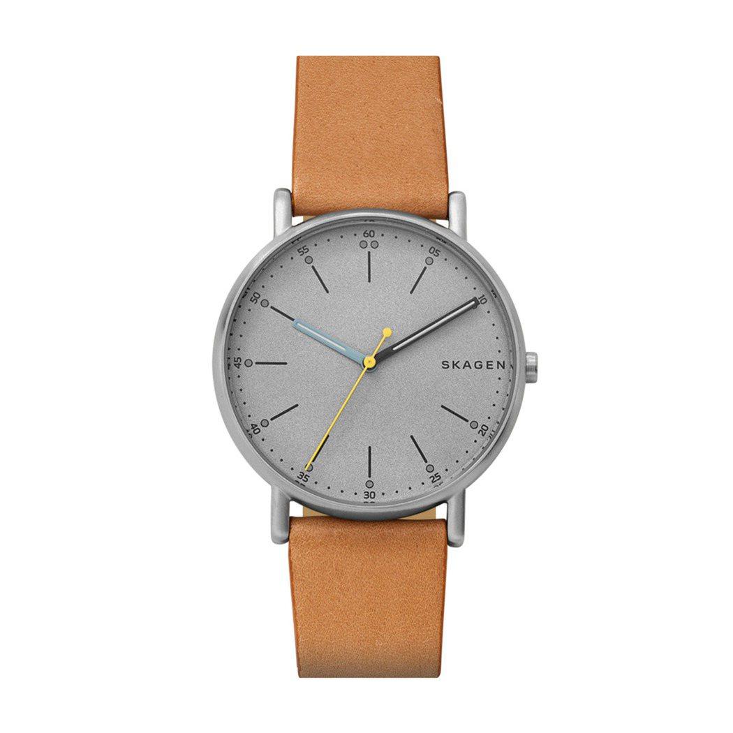 Skagen Signatur藍色指針棕色皮帶腕表,約5,500元。圖/Foss...