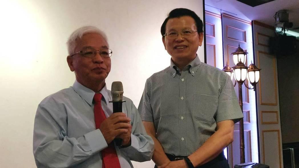 憶聲電子董事長由趙登榜(左)接任,與總經理張鏡湖(右)大力拓展歌林家電產品。記者...