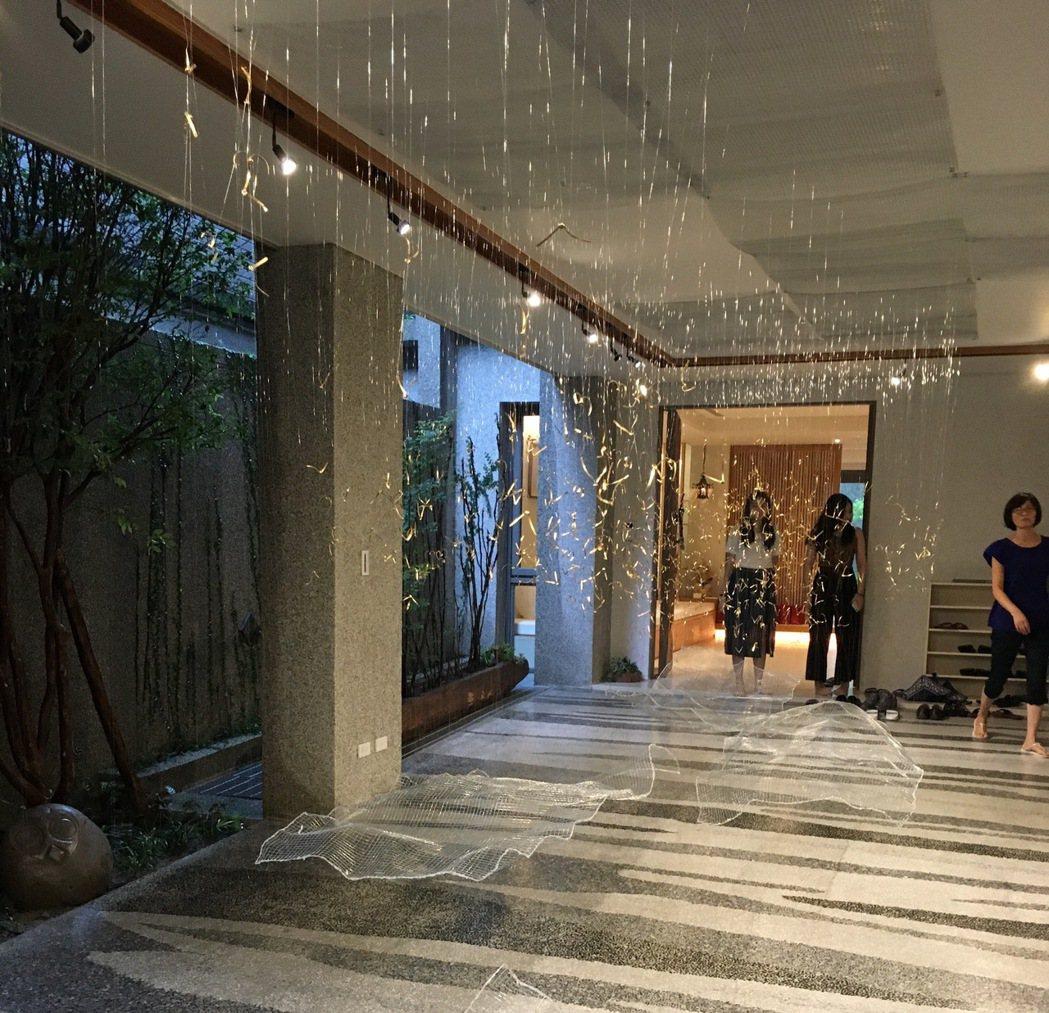 磐興藝術展「歸」,即日起在台中市北屯「寬域第九期」別墅社區展出。此次展覽,結合現...
