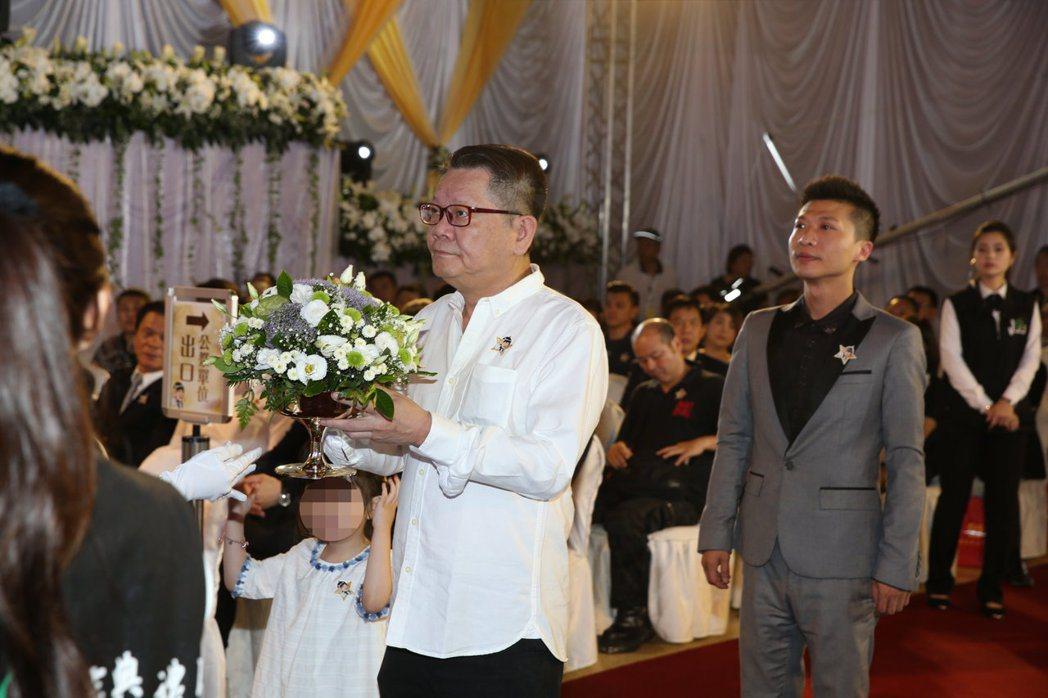 鄭進一出席豬哥亮告別式。 圖/台北市攝影記者聯誼會提供