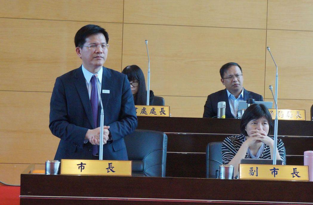 賴清德拋「親中愛台」說,台中市長林佳龍(前排左)說「知中是首要功課」,至於賴過去...