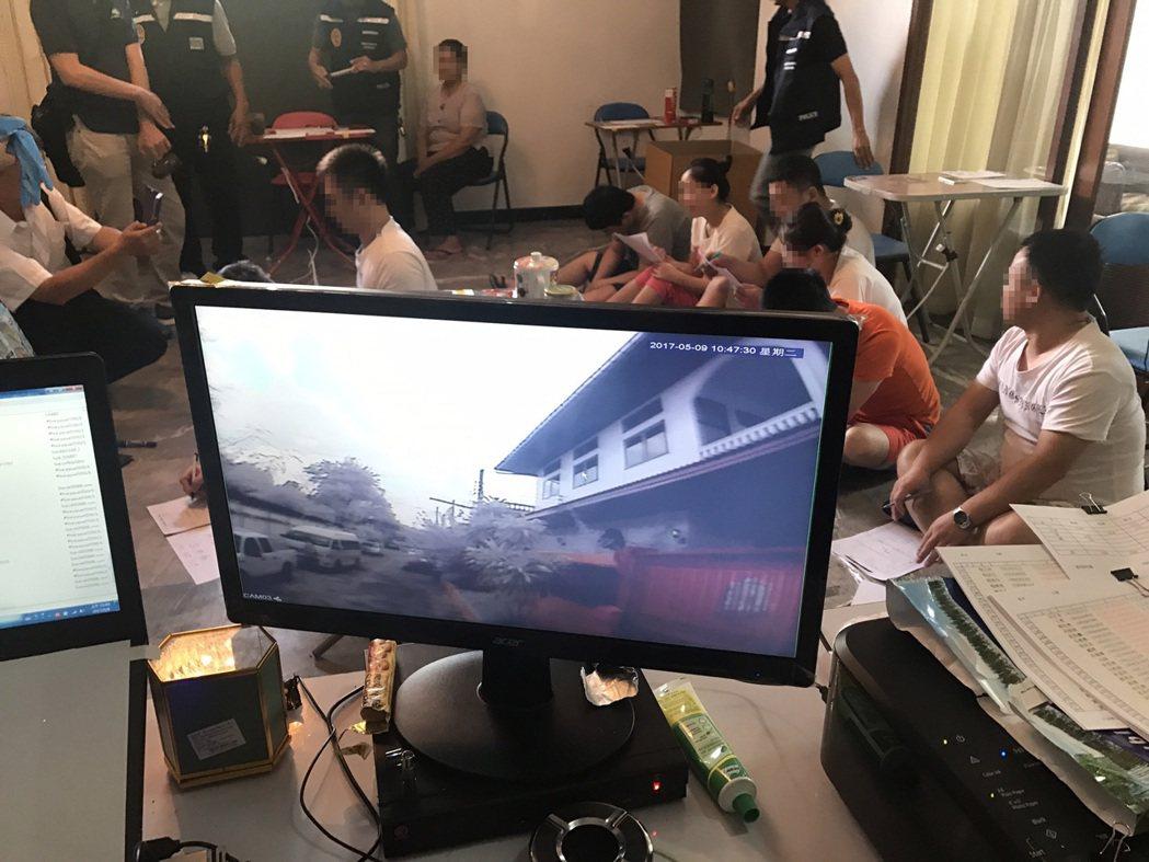 台泰警方聯手在泰國曼谷破獲詐團,逮捕台籍2人、陸籍6人及泰籍1人,同步在台拘提幕...