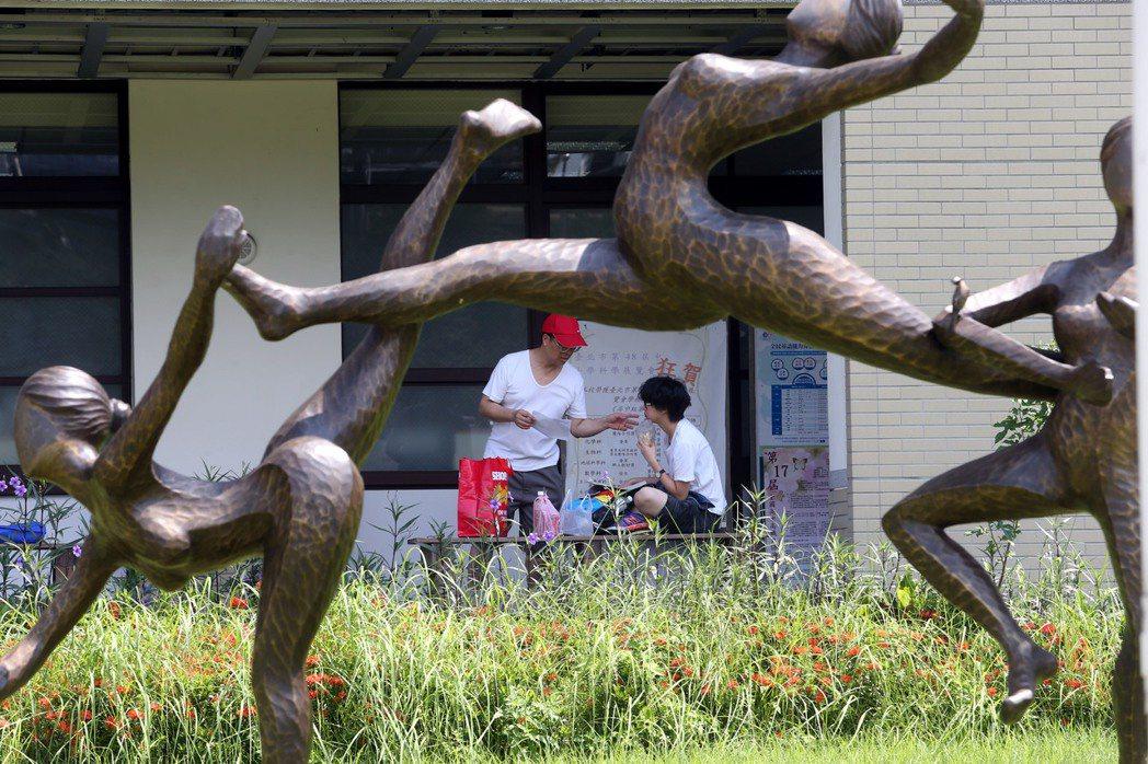 大學指考,台北市中山女中考場。聯合報資料照/記者林俊良攝影