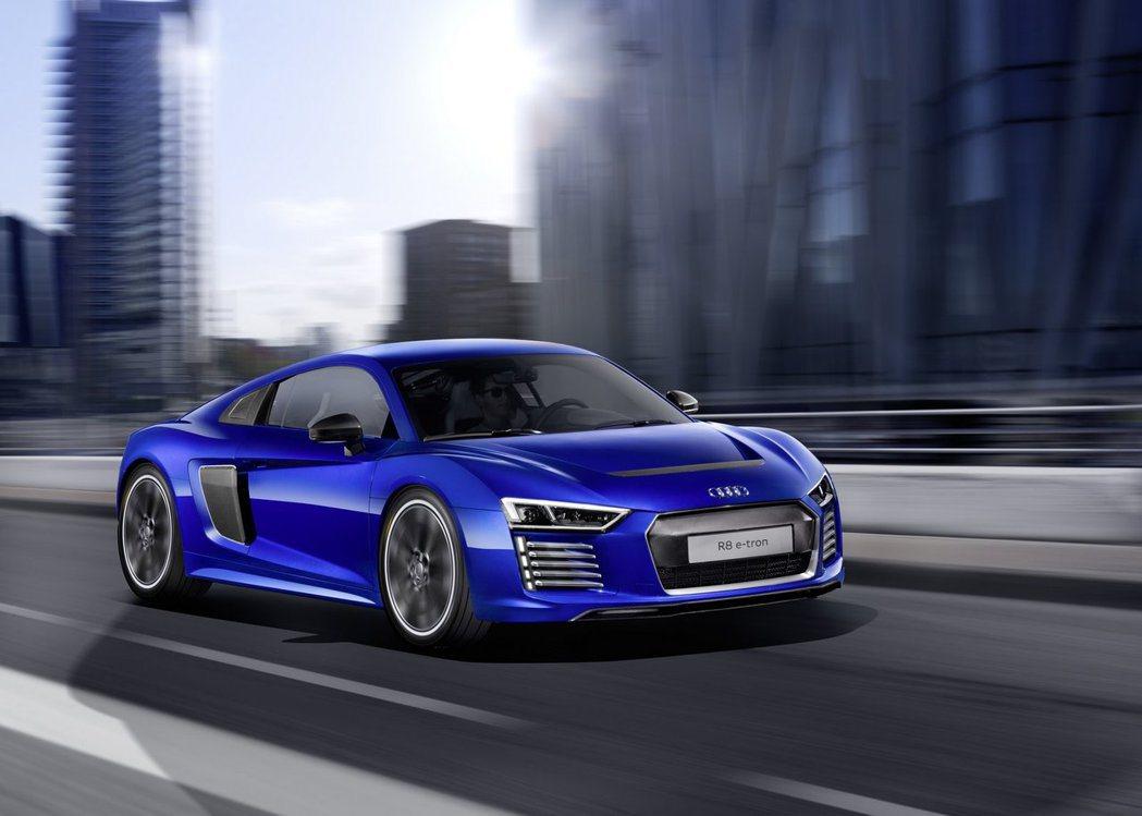 圖為 Audi R8 e-tron。 摘自Audi