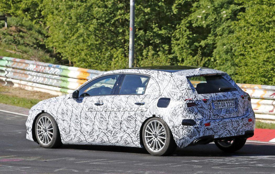 新款Mercedes-Benz A-Class在紐柏林測試時被拍到。圖/摘自ca...