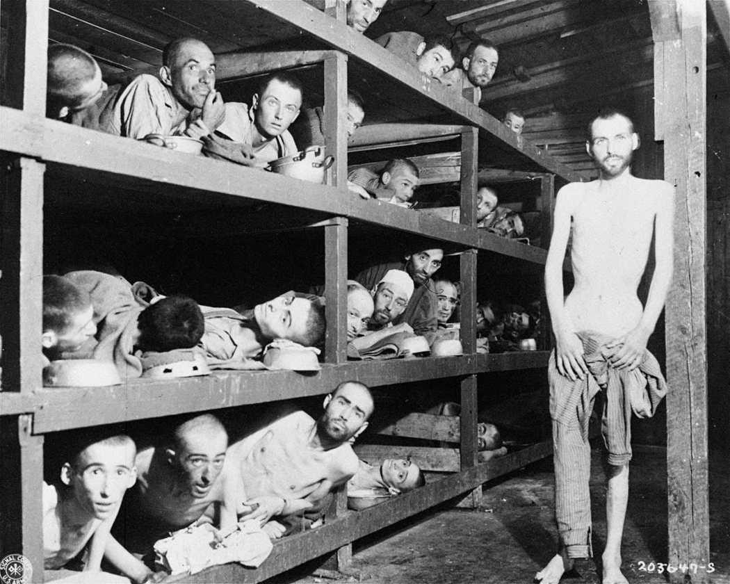 魏瑟爾(1928-2016;右),諾貝爾得獎者,二戰期間全家被關押至奧斯威辛集中...