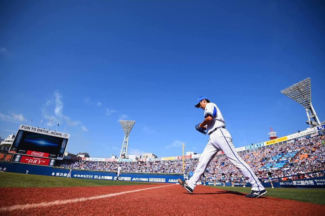 2016年橫濱海灣星,總計71場主場比賽,有31場是票全數賣完。當年接手海灣星時...