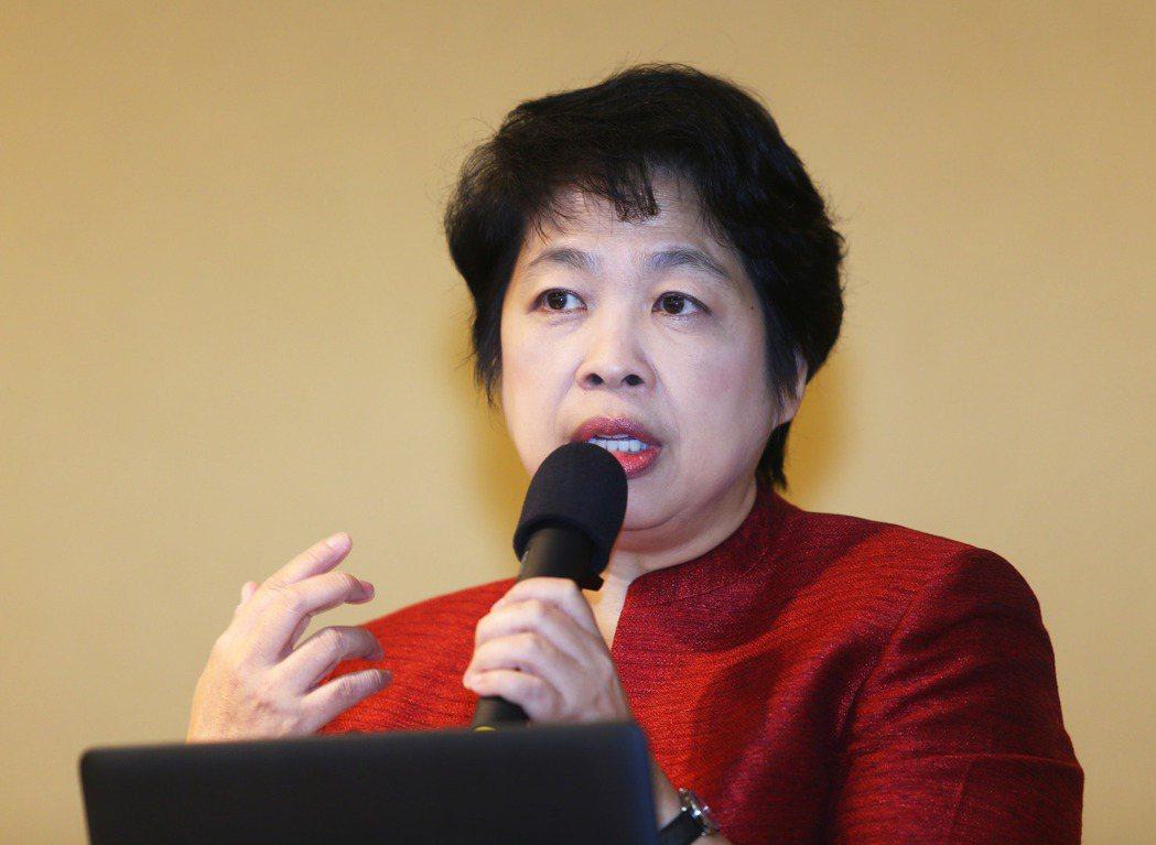新加坡前財政部第二部長陳惠華,以「政府在基礎設施建設中的作用」為題,分享新加坡P...