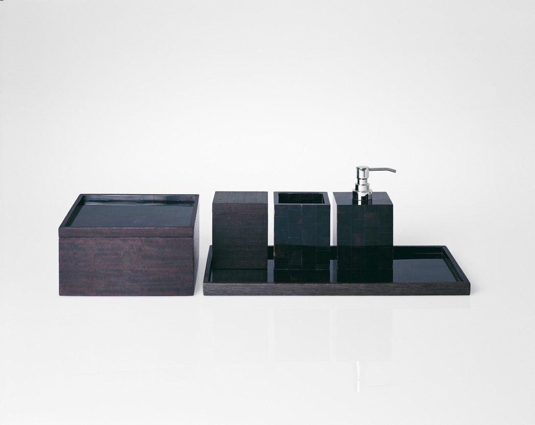 ARMANI CASA Guapo 系列,包含置物盒、置牙刷盒、沐浴乳罐、長方形...