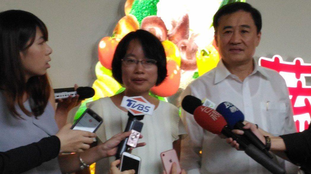 台北農產公司董事會下午選出陳景峻擔任董事長,吳音寧為新任總經理。記者莊琇閔/攝影