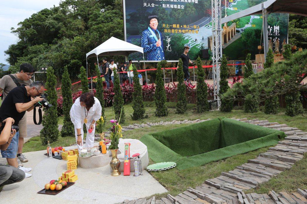 藝人豬哥亮下午將在擁恒文創園區墓園下葬。記者陳柏亨/攝影