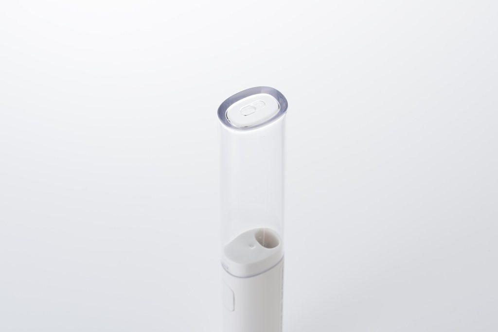 附蓋設計方便旅行時攜帶,蓋子上端附有排水孔,有助避免濕氣與異味。圖/無印良品提供