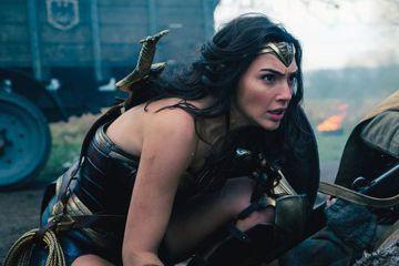 美國「青少年民選獎」電影部份入圍名單明顯看出「神力女超人」以及巨石強森、艾瑪華森等,最受少男少女的歡迎。美國票房飆向3億的「神力女超人」,影片本身及主角蓋兒加朵、克里斯潘恩都獲提名,蓋兒加朵另以「間...