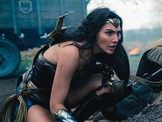 「神力女超人」蓋兒加朵是美國少男少女的新偶像。圖/摘自imdb