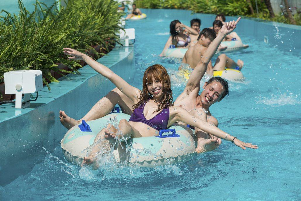 六福水樂園推出學生買一送一的優惠。圖/六福水樂園提供