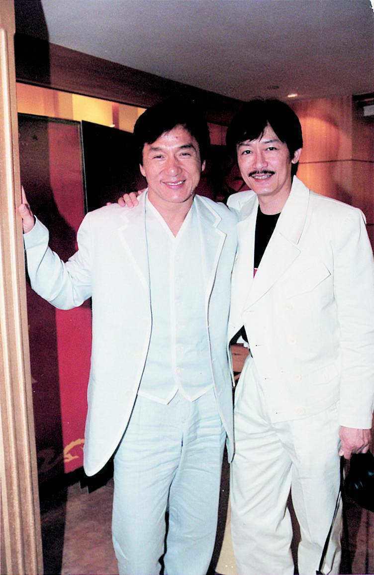 當年成龍在北京拍「西域威龍」,還把好友陳勳奇也請去幫忙。圖/報系資料照