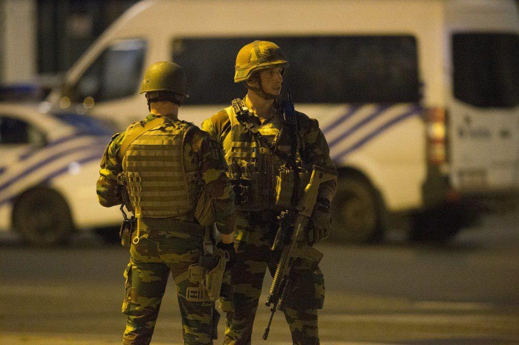 比利時布魯塞爾中央車站20日發生爆炸案,凶嫌在犯案後被軍方擊斃,無旅客傳出傷亡。...