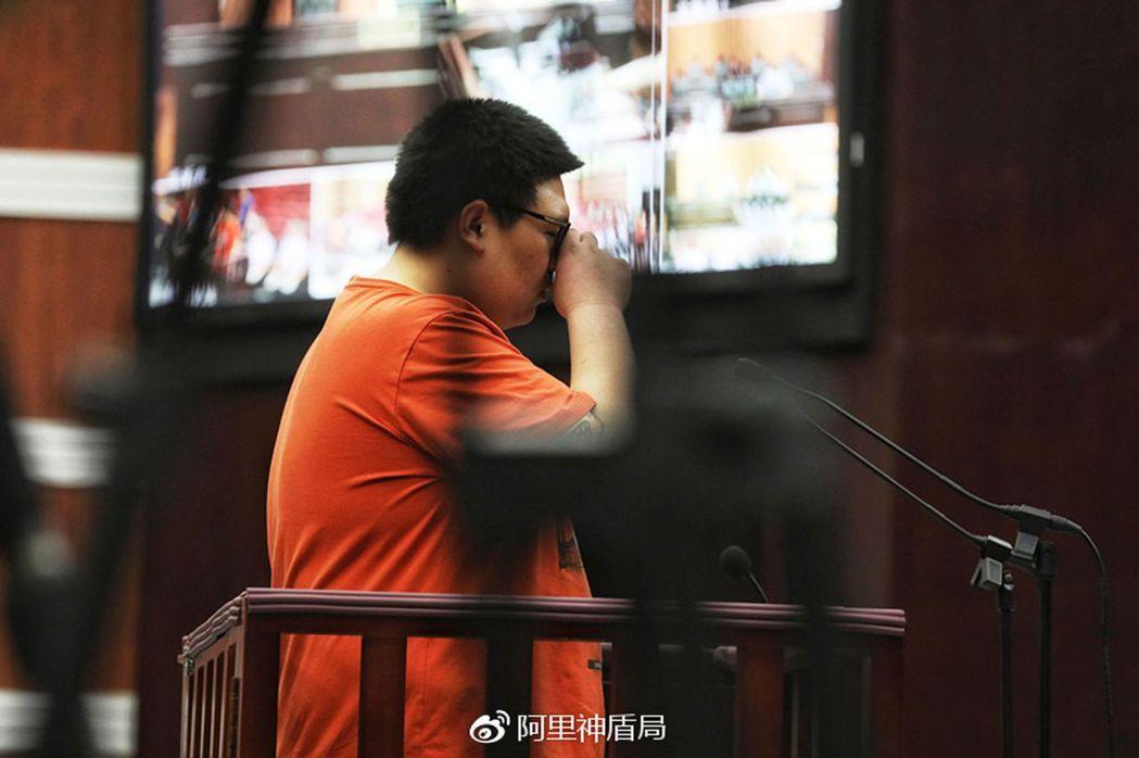被告人李某當庭辯稱,不知組織刷單是犯罪行為。(取材自微博)