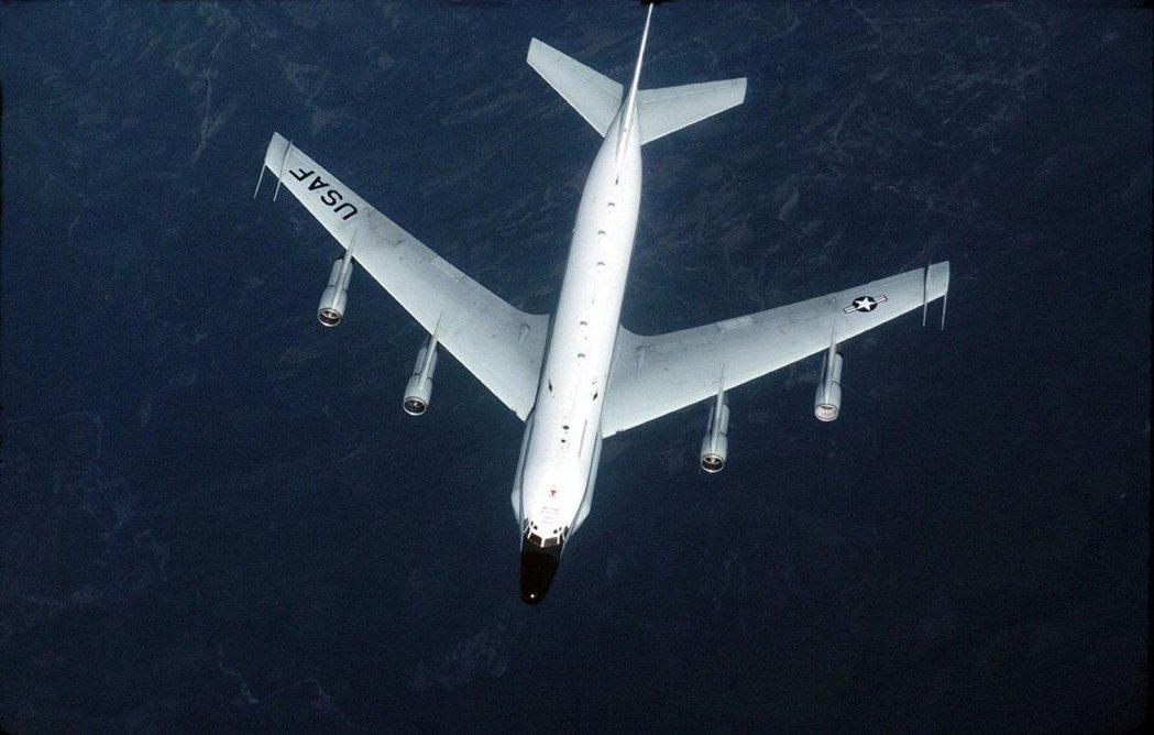 美軍RC-135U偵察機在波羅的海國際空域飛行。 路透社