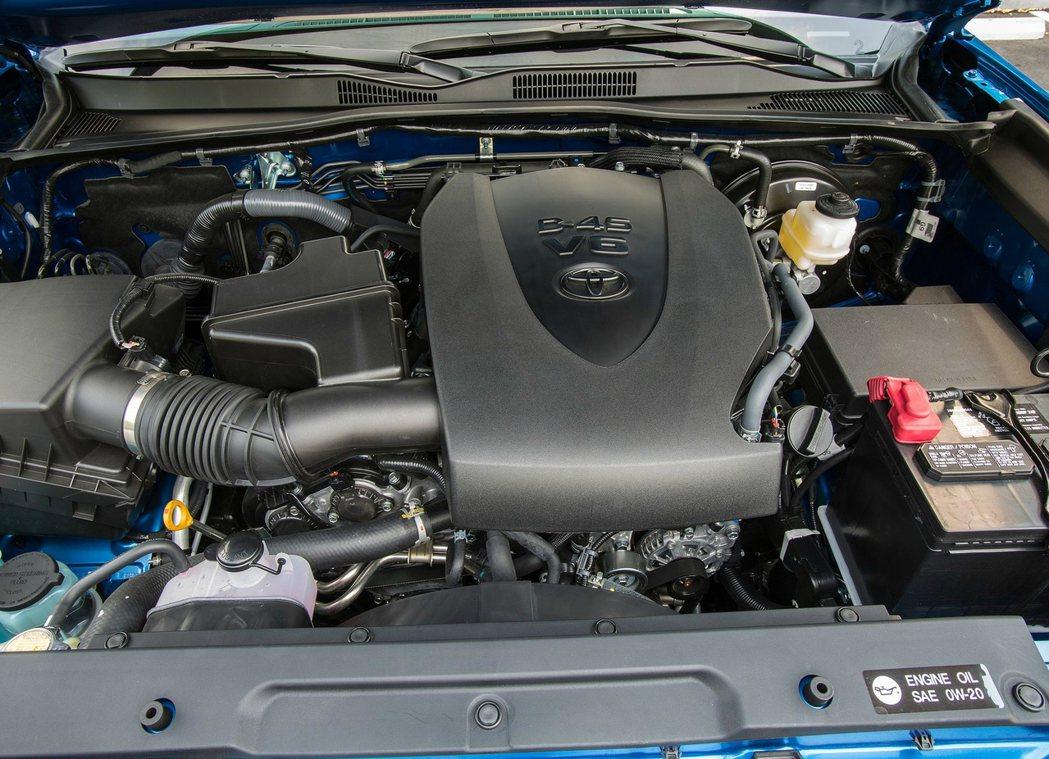 Toyota Tacoma 搭載 3.5 升 V6 引擎,並且在美國市場有不錯的銷售成績。 摘自 Toyota