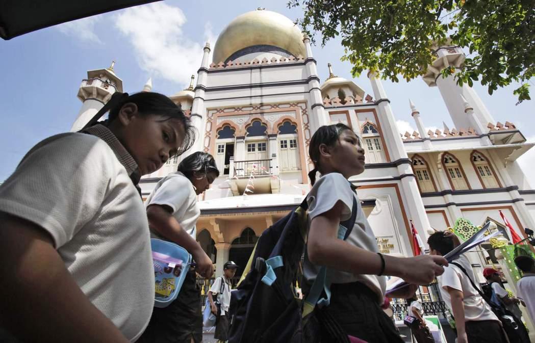 新加坡腔投射出的新加坡群體中,向來都缺乏印度人。 圖/路透社