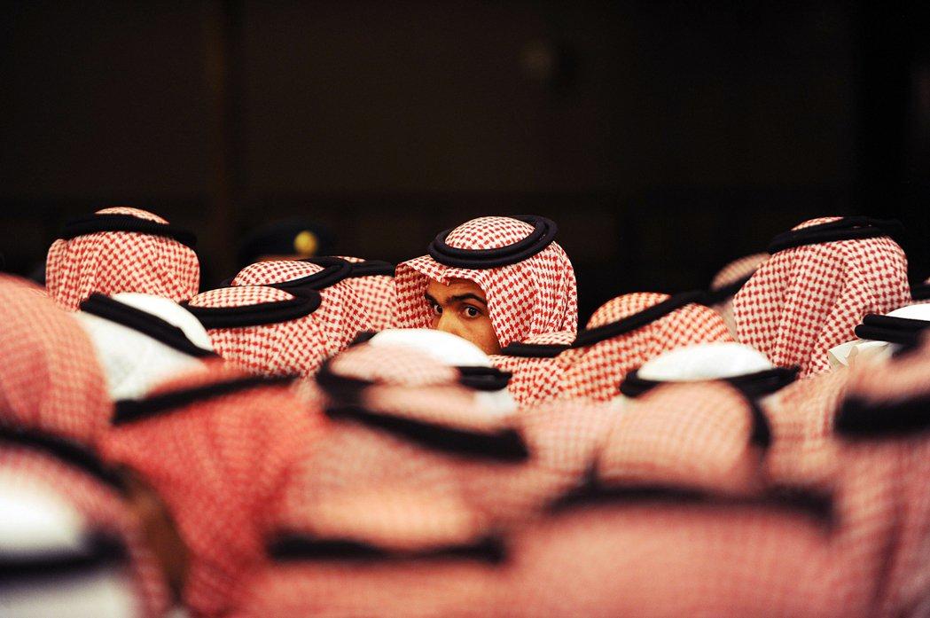 王族的集會:這場攸關王權的人事變動,雖讓中東各國略感突然;但其結果,卻是沙烏地王...