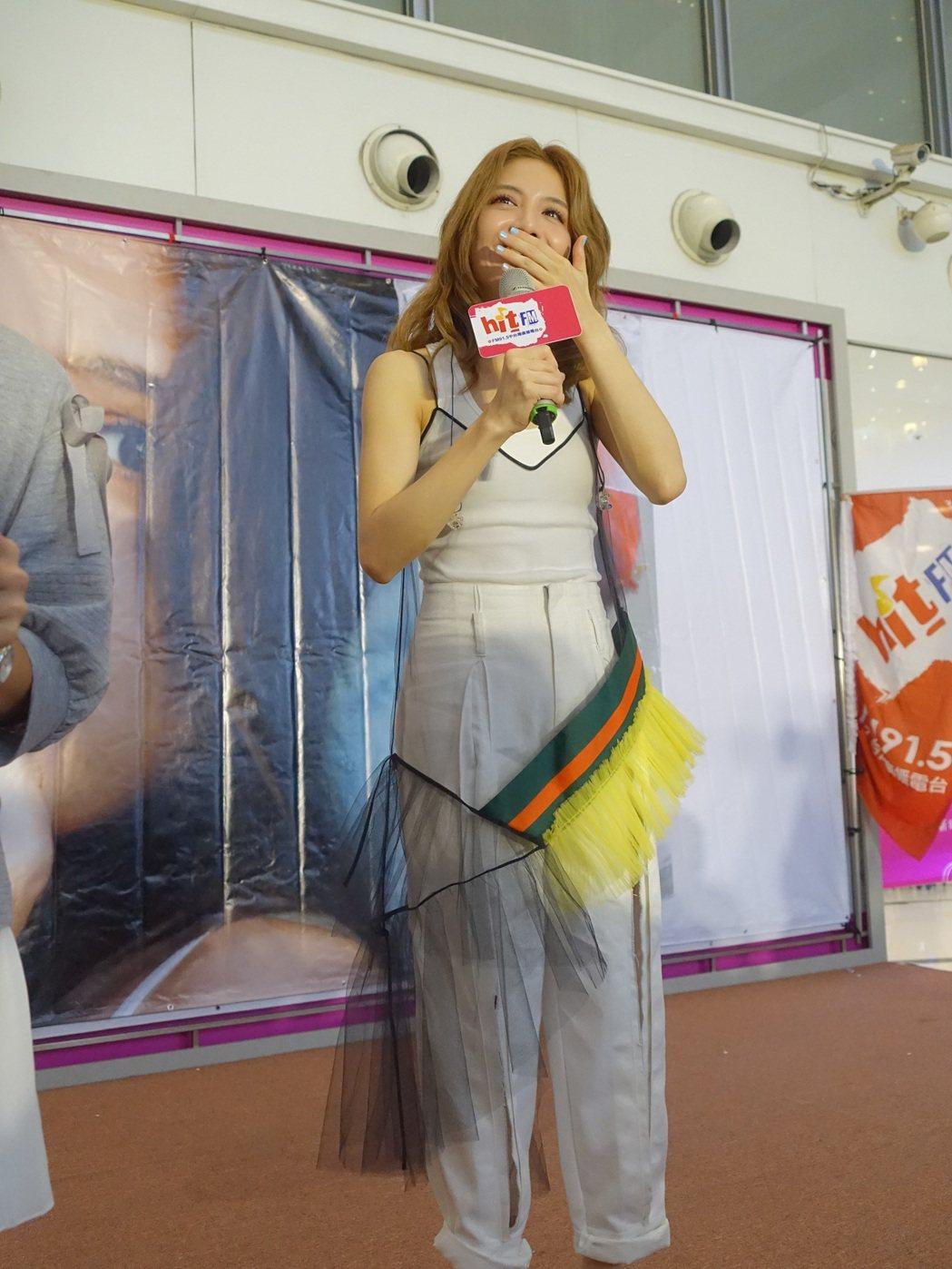 李宣榕日前在台南、台中舉辦簽唱會。圖/寶麗來國際娛樂提供