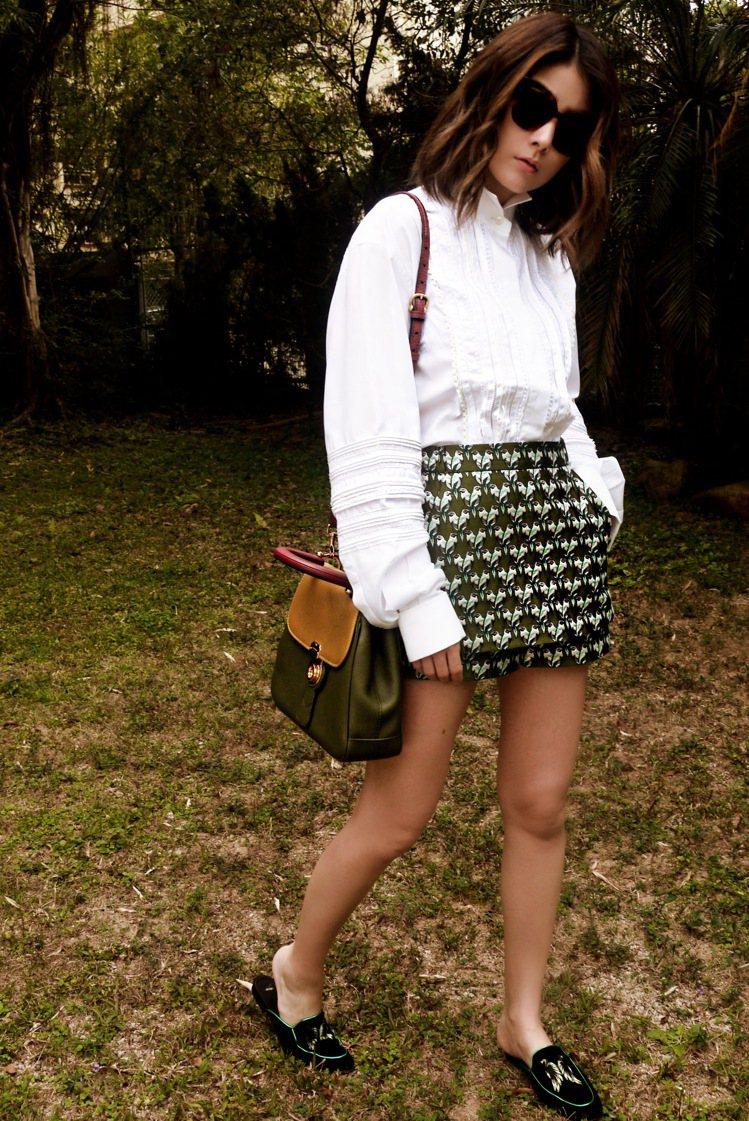 陳慧琳的草木綠系列穿搭相當時尚。圖/BURBERRY提供