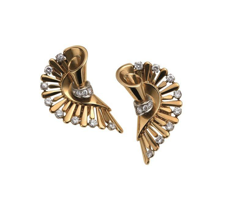 張鈞甯配戴的BVLGARI Hertaige典藏系列頂級黃金與鑽石耳環。圖/BV...