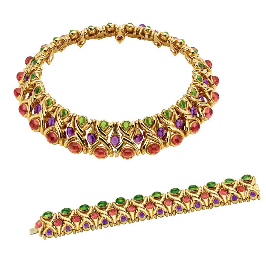 林心如配戴的BVLGARI典藏系列黃金粉紅碧璽紫水晶橄欖石項鍊及手鐲,創作於19...