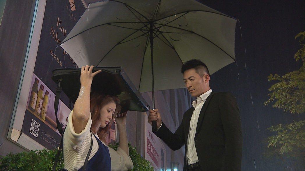 李燕(左)和趙駿亞。圖/三立提供