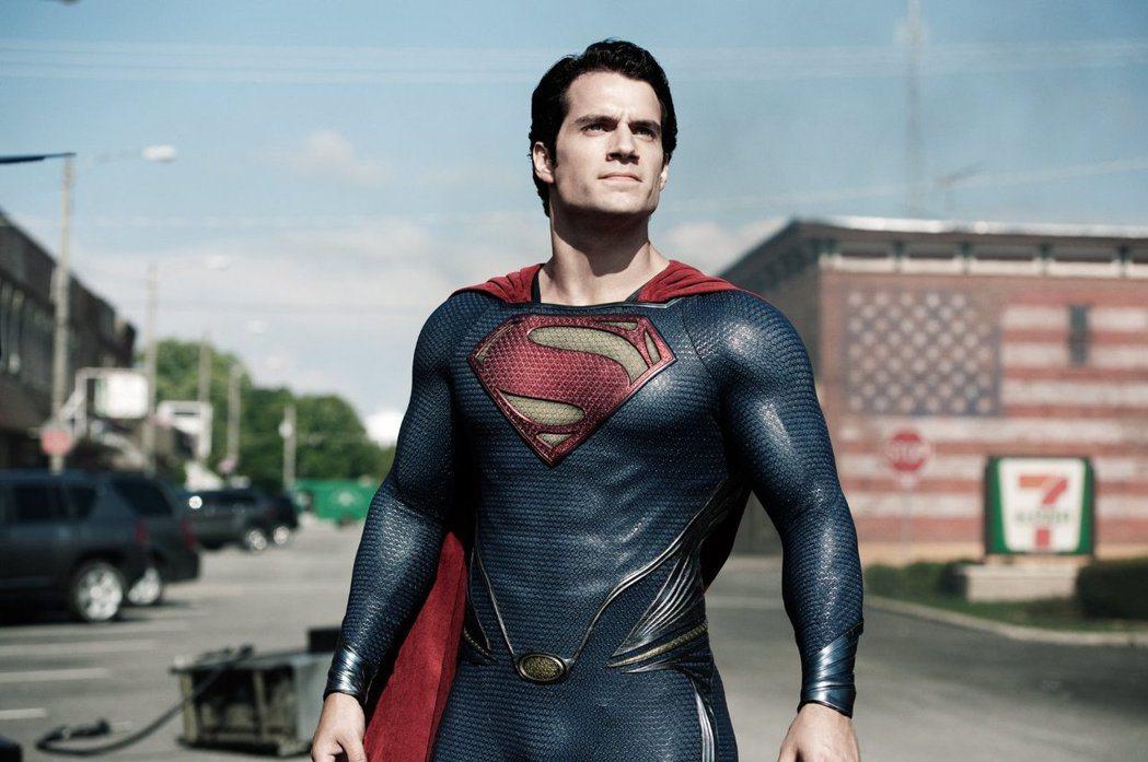 亨利卡維爾演「超人:鋼鐵英雄」片酬被誤傳過高。圖/摘自imdb