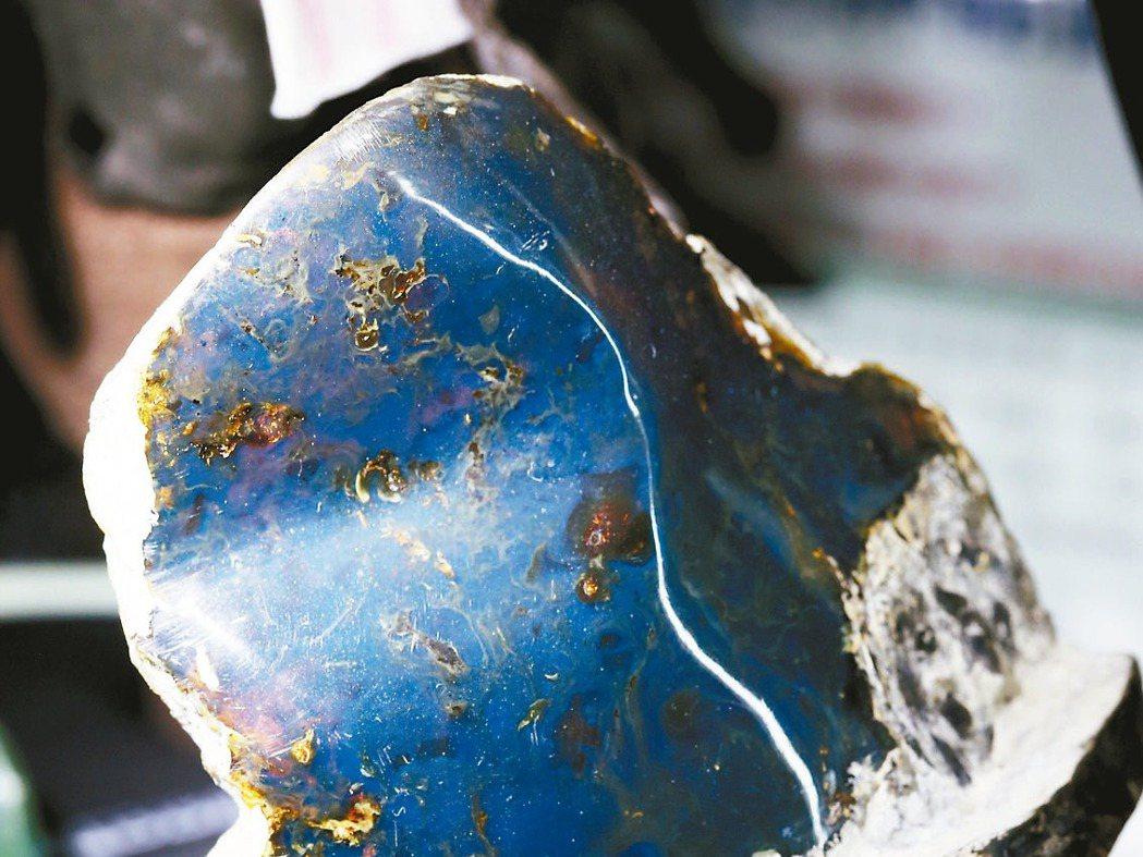 多明尼加的藍珀。 記者邱德祥/攝影