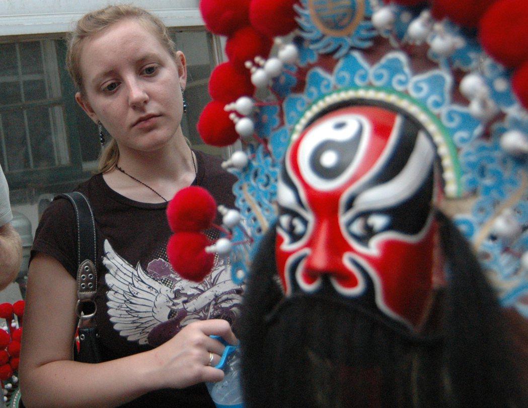 「完整」的翻譯敘事讓德國人看到不一樣的中國文化,不像德國人之前所認識的「東方」。...