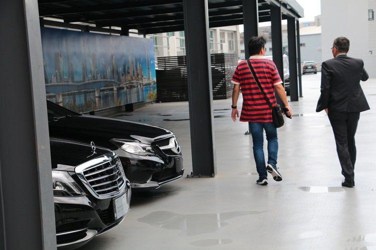 選擇賓士原廠精選中古車購買或出售,可以徹底排除所有疑慮,安心託付愛車。 Auto-online汽車線上總編輯羅焜平提供