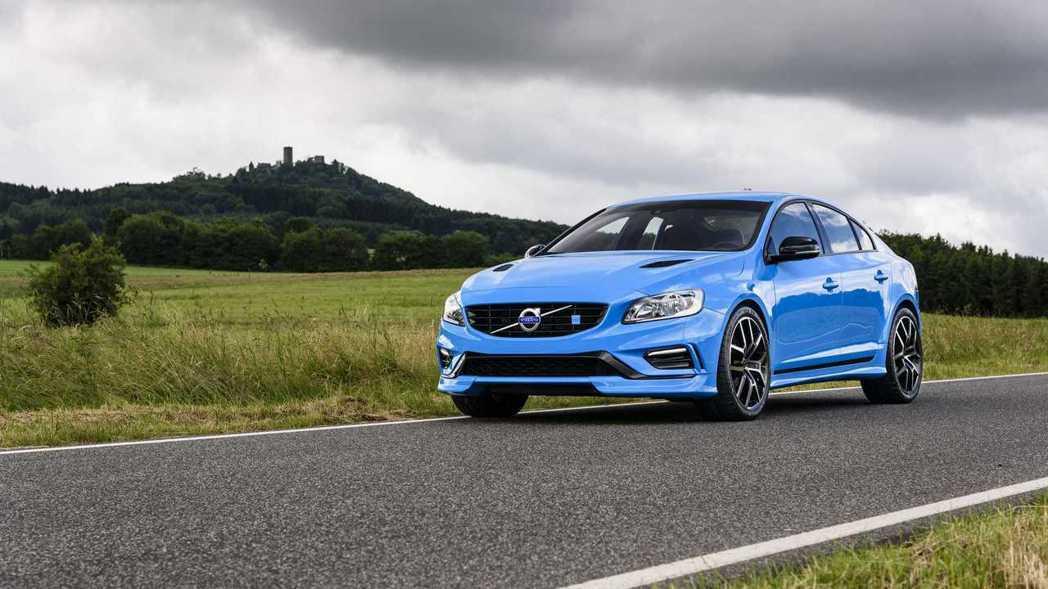 熟悉 Volvo 的車友都知道,Polestar 一直都是Volvo的御用改裝場...