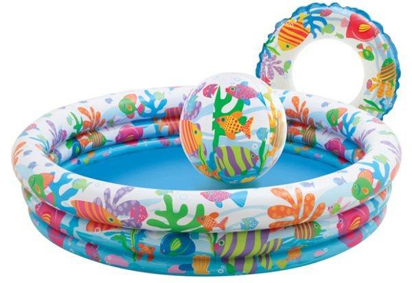 充氣式泳池組即日起至8月31日止,只要499元就能開心享受戲水樂趣。圖由廠商提供...