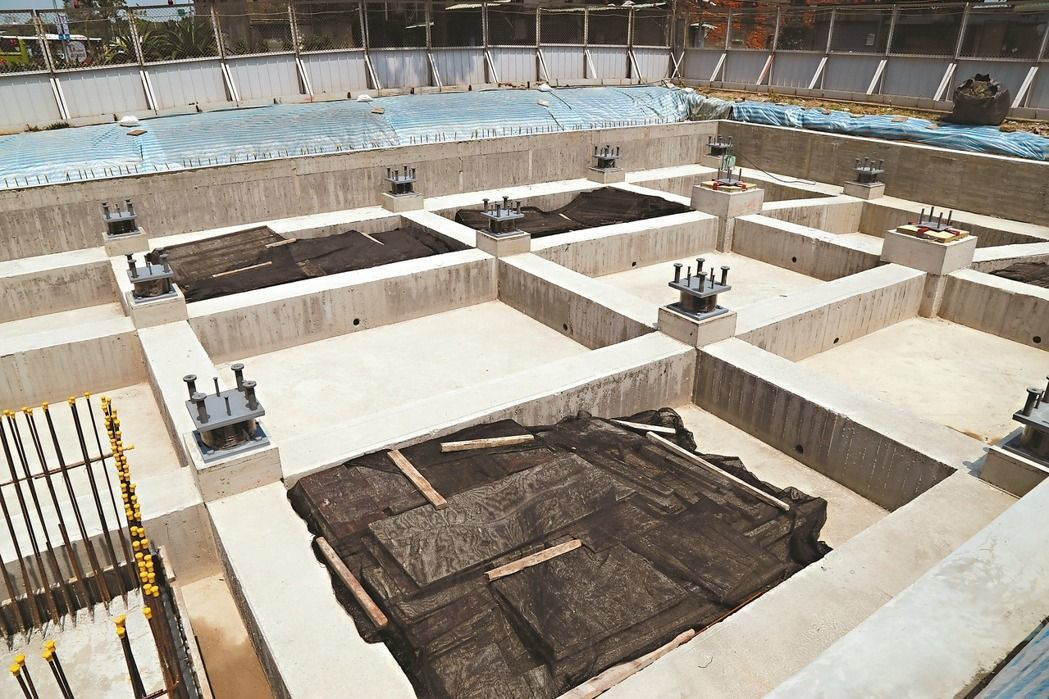 歷史建築三井倉庫遷移被認為是主管機關「球員兼裁判」的惡例。本報資料照片