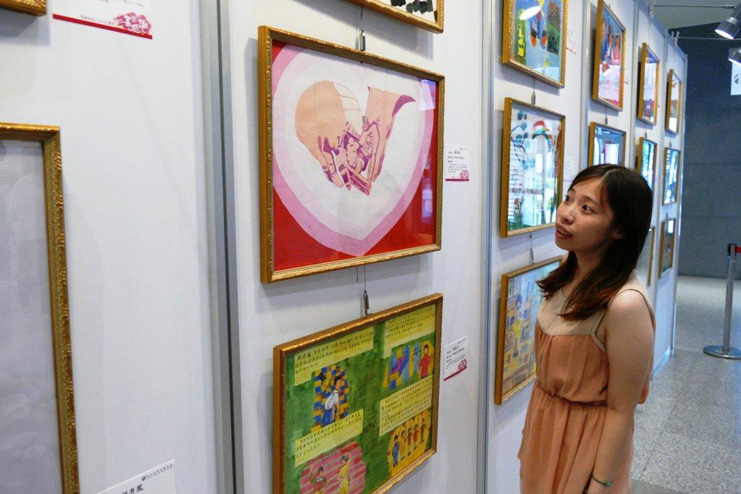 新北市衛生局邀請精神康復者辦理「畫出感謝」畫展活動。記者林麒瑋╱攝影