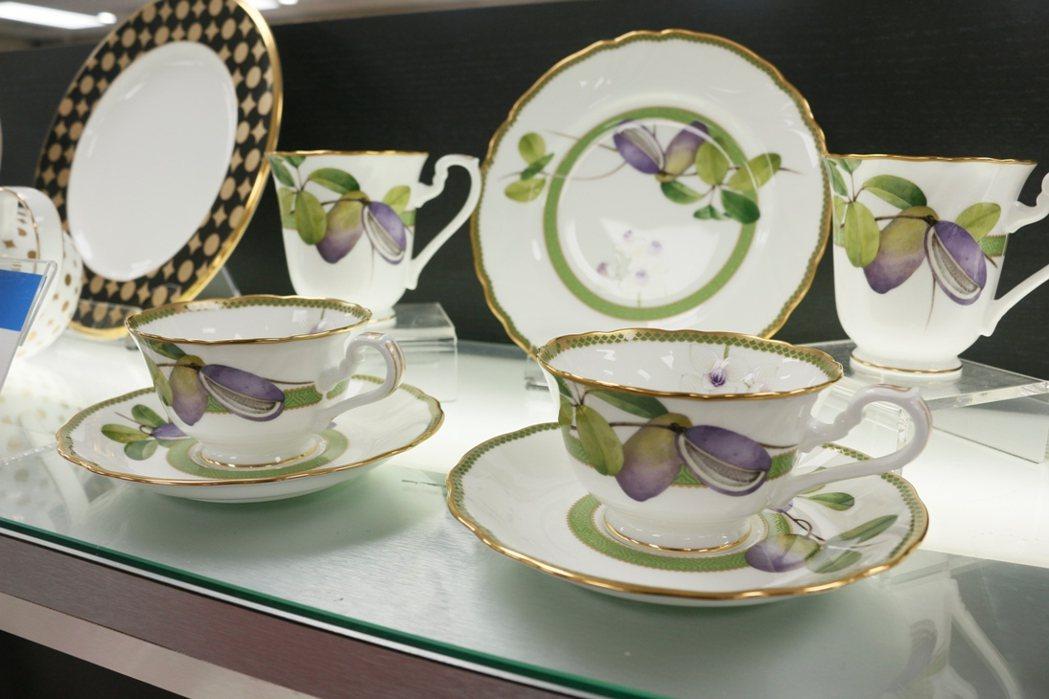 日本Noritake紫色果園系列5折出清。 旺代企業/提供