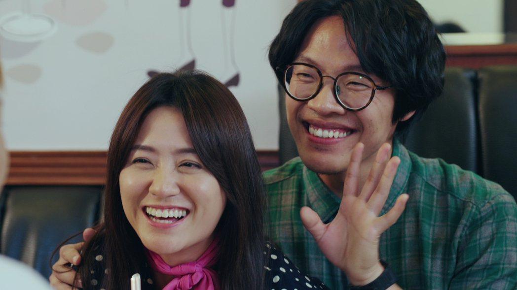 盧廣仲(右)劇中陪海裕芬相親,笑料百出。圖/好風光提供