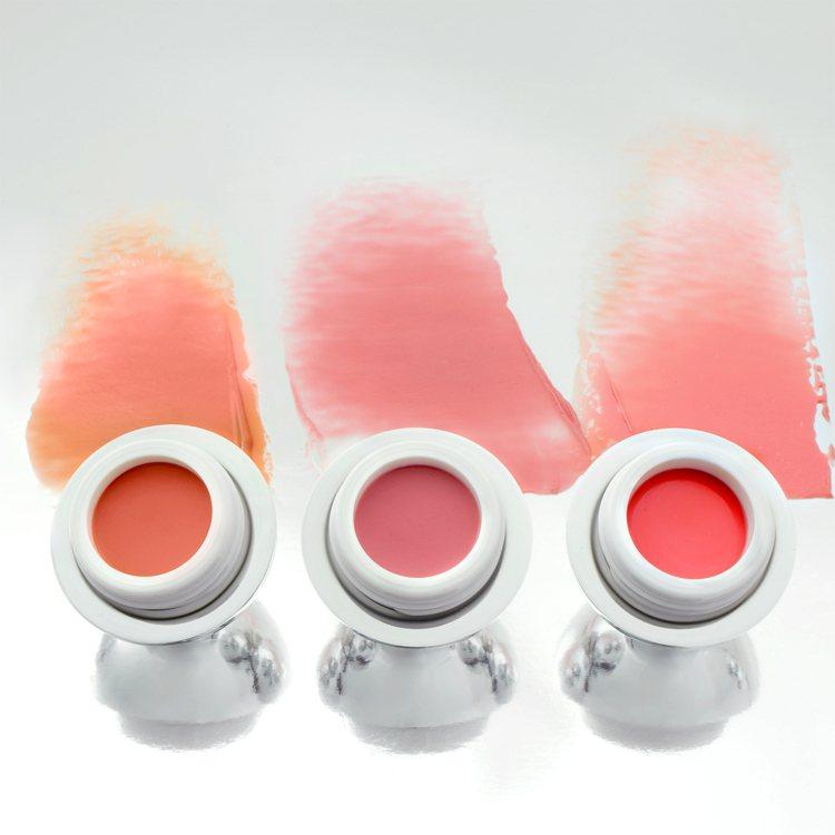 噘噘嘴修護潤色唇霜形象圖。圖/GLAMGLOW提供