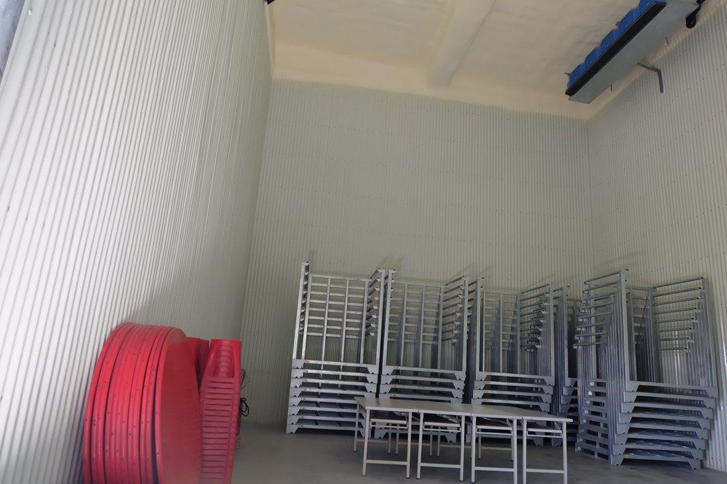 宜蘭縣南山合作社新的冷凍倉庫,有助調節供貨。 記者張芮瑜/攝影