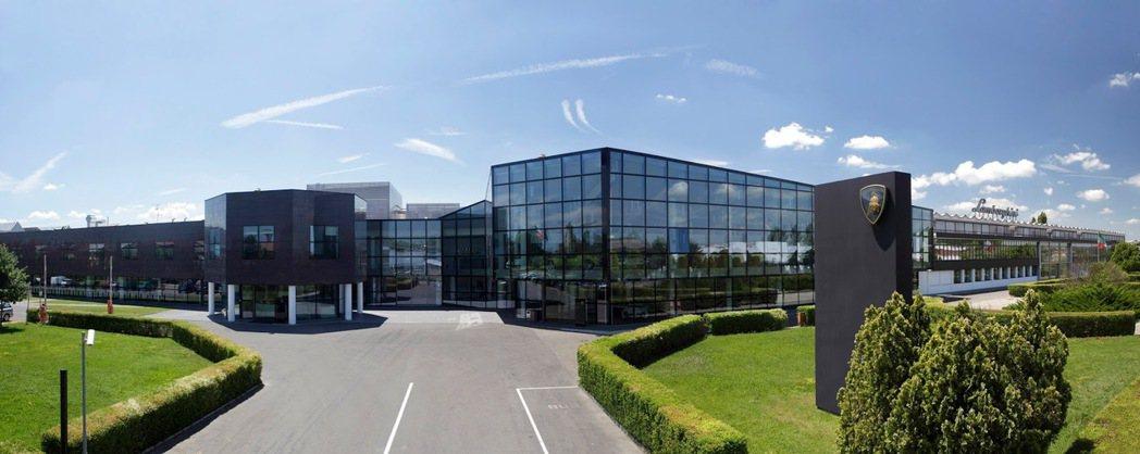 Lamborghini位於義大利Sant'Agata Bolognese的工廠。圖/摘自carscoops.com